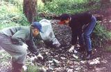 Члены Фонда 3-е Тысячелетие расчищают пойму реки Банька